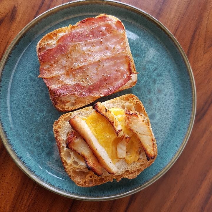 Sprøde sommersandwich med kylling og bacon #hashtagmor