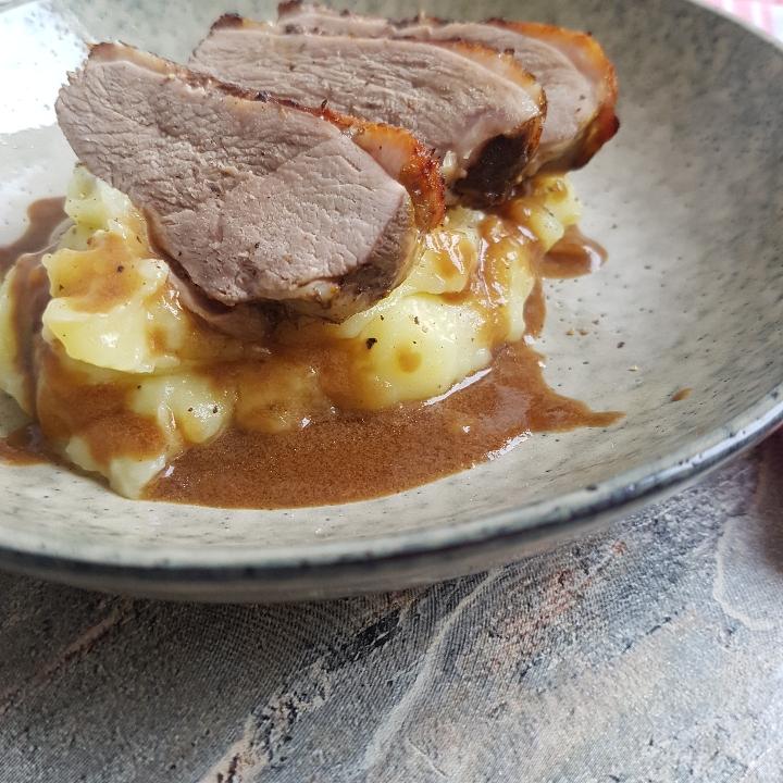 And ala orange med kartoffelmos og brun sovs. #hashtagmor