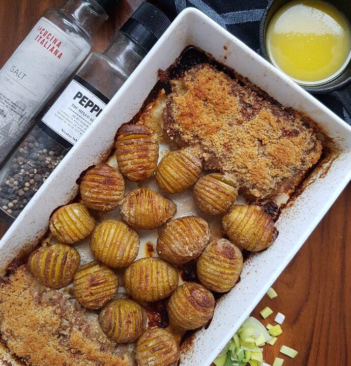 One pot – farseret porre med hasselback kartofler.