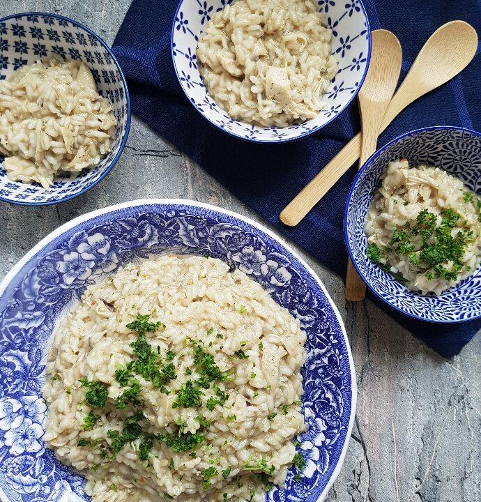 Let og lækker kylling risotto. Smagfuld risotto med kylling.