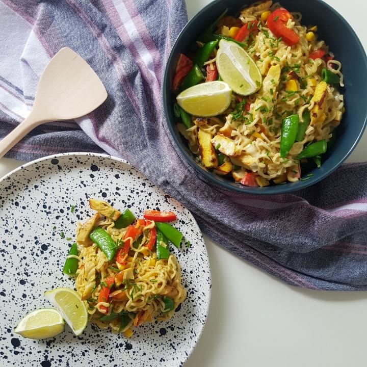 Karry nudler med kylling. En let wok ret. #hashtagmor