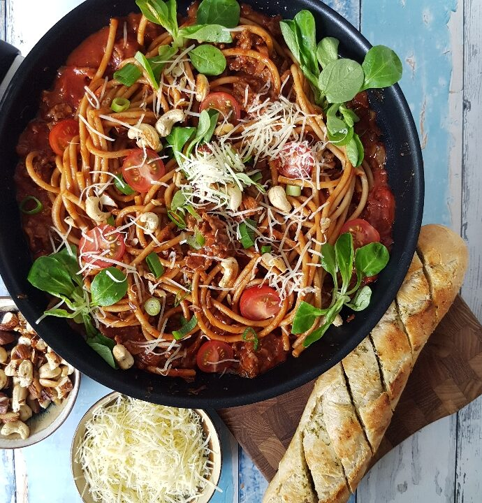 Hurtig og skøn spaghetti med oksekød og tomatsovs.