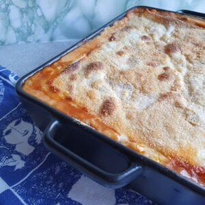 Hjemmelavet lasagne opskrift med bechamel sauce.