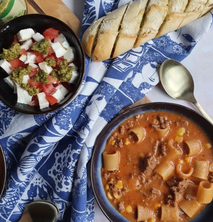 Lasagne suppe – nem lasagnesuppe opskrift.