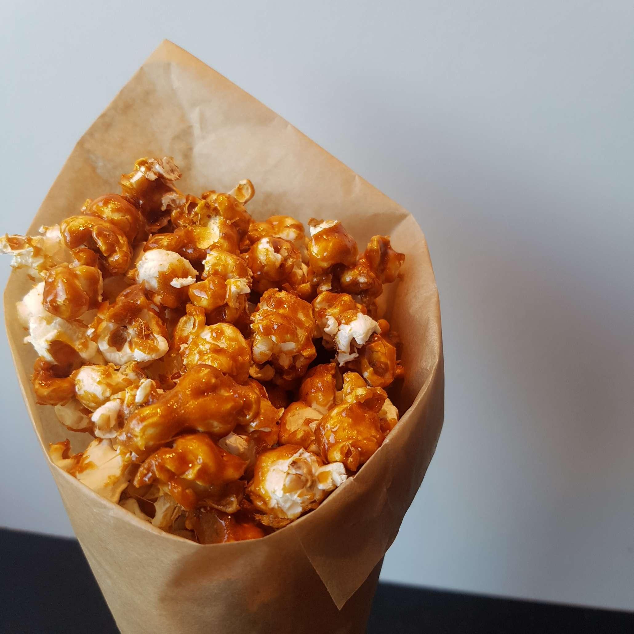 Saltet karamel popcorn, karameliseret popcorn opskrift