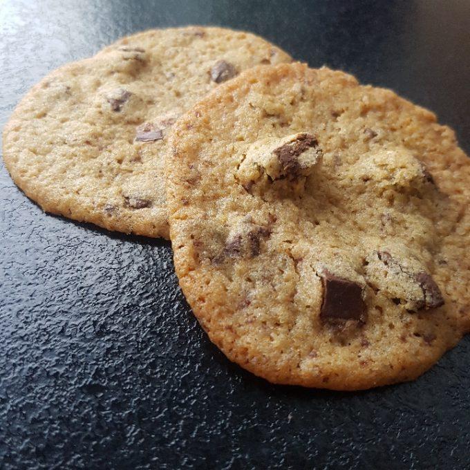 Cookies med chokolade.