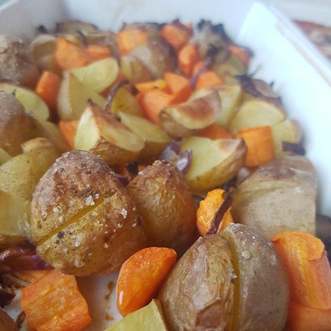Bøffer i fad med ovnkartofler #hashtagmor
