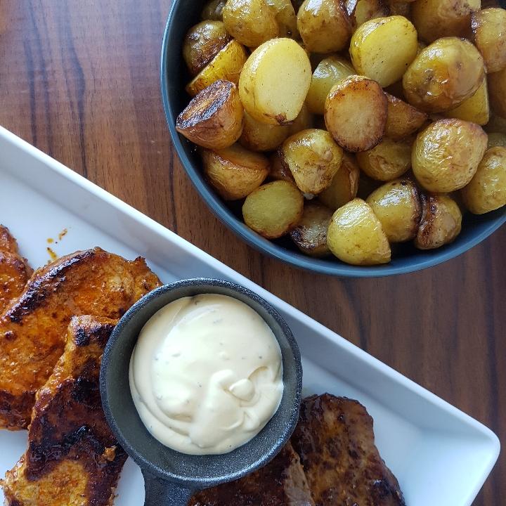 Smørbagte kartofler.