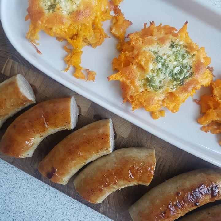 Mashed sweet potato med stegt medister.
