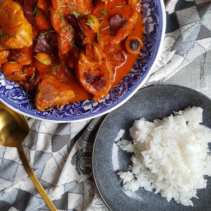 Mørbradgryde med ris.