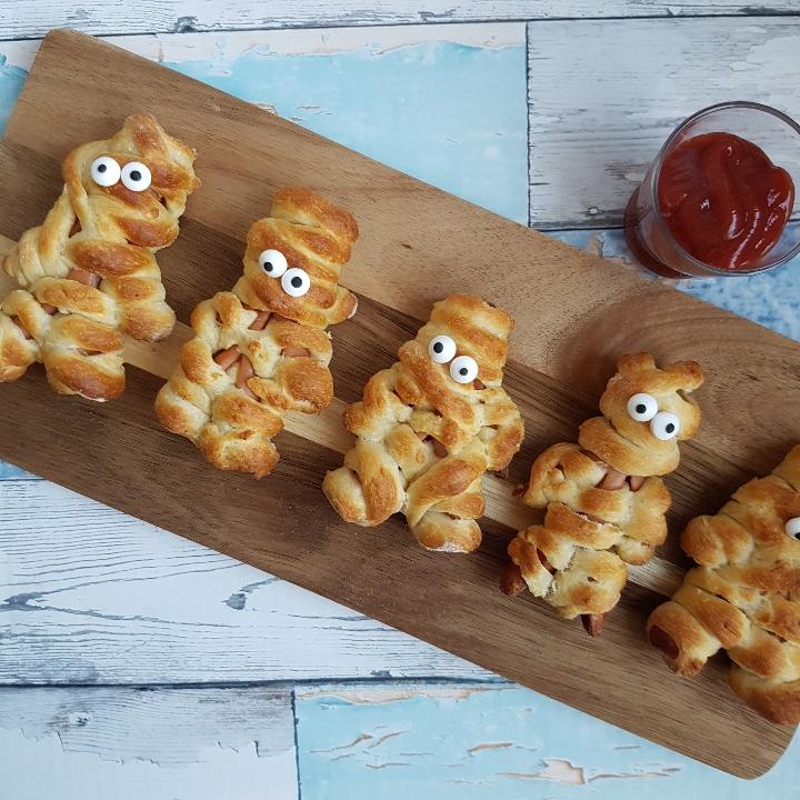 Mumie - pølsehorn. #hashtagmor Jeg har lovet jer et indlæg med madpakke ideer - for at give mere inspiration til en lækker madpakke. Der er selvfølgelig både ideer til en nem madpakke, en sund madpakke men også en helt klassisk og børnevenlig madpakke.