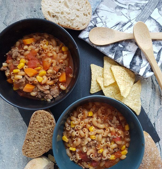 Salsasuppe – stærk suppe med oksekød.