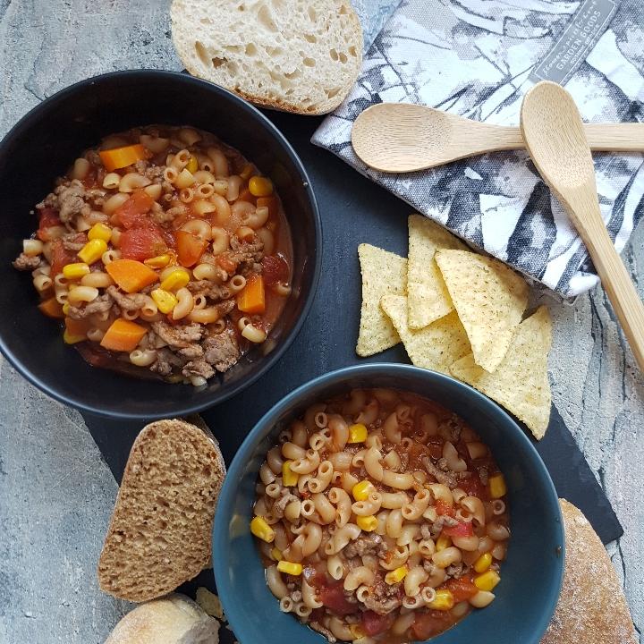 Salsasuppe - stærk suppe med oksekød.