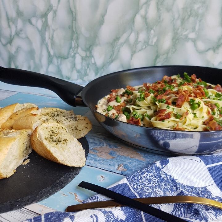 Cremet frisk oste pasta med kylling og bacon #hashtagmor