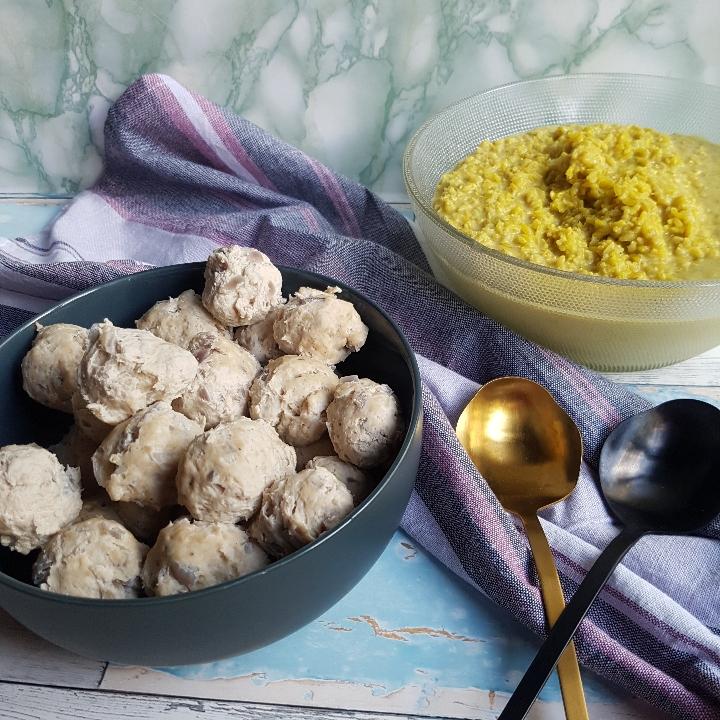 Kødboller af kylling i karry ris #hashtagmor