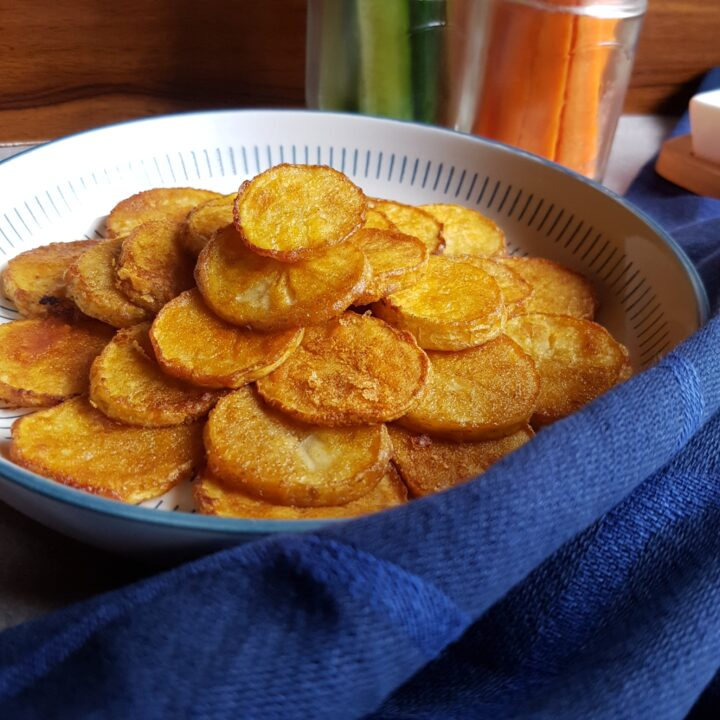 Crispy kartofler i ovnen og mini frikadelle opskrift