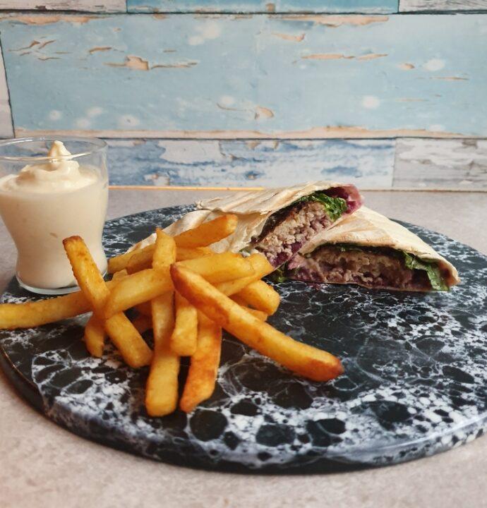 Tortillia panini opskrift – frikadelle sandwich med hjemmelavet aioli.