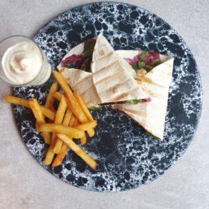 Tortillia panini opskrift - frikadelle sandwich med hjemmelavet aioli.