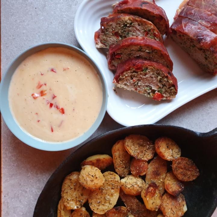 Kylling farsbrød, Krydret kartofler og peberfrugt sovs