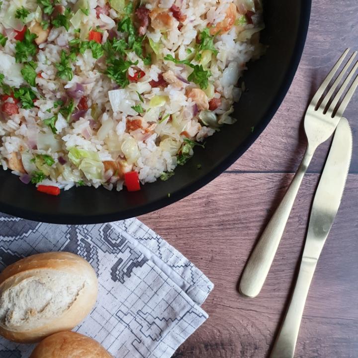 Stegte ris - lækker risret med kylling og bacon