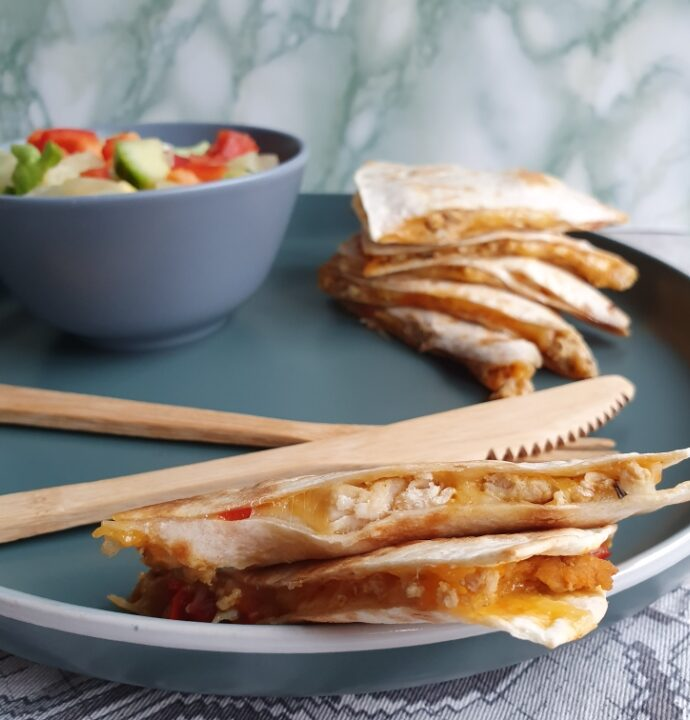 Quesadilla opskrift – mexicansk mad med tortilla pandekager med fyld