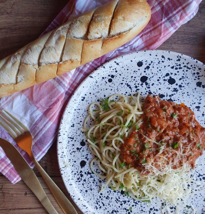 Spaghetti kødsovs opskrift med grøntsager – nem spaghetti bolognese opskrift