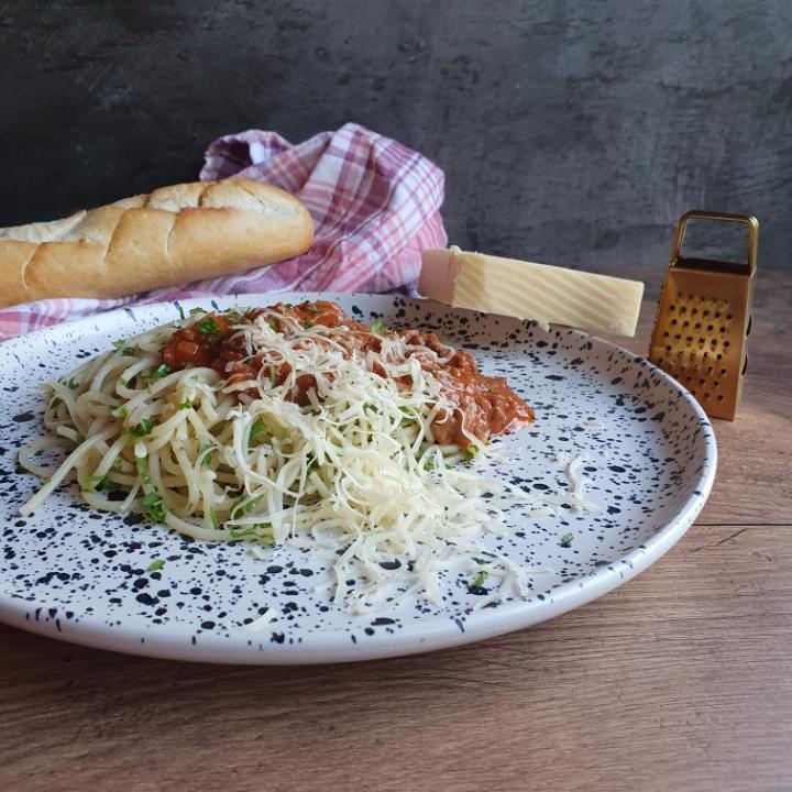 Spaghetti kødsovs opskrift med grøntsager - nem spaghetti bolognese opskrift