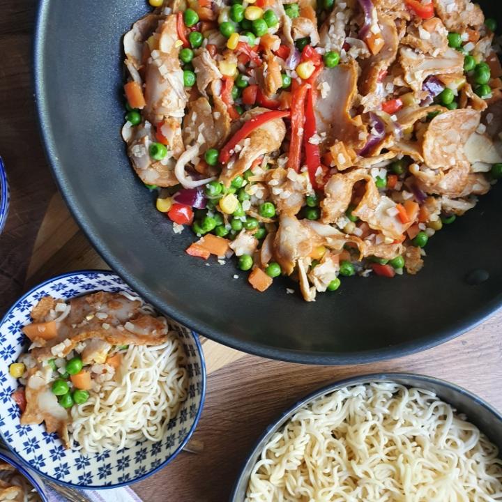 Wok med kylling - virkelig lækker wokret med nudler og grøntsager