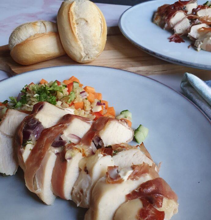 Bulgursalat med fyldt kylling – en nem og lækker opskrift på bulgur salat.