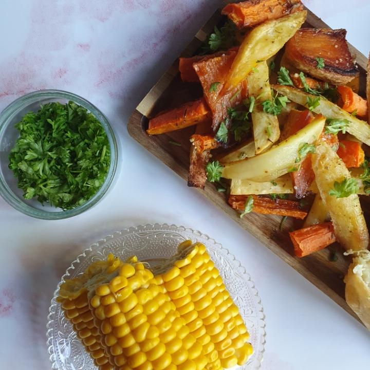 Indbagt kylling opskrift med butterdej og hjemmelavet pomfritter i ovn.