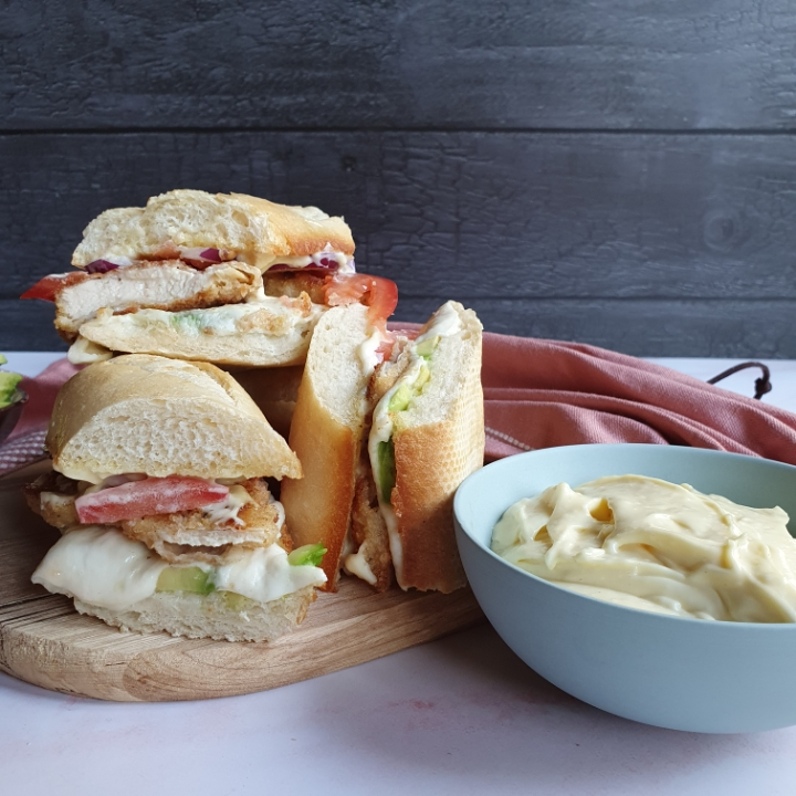 Hjemmelavet sandwich med kylling - crispy chicken opskrift