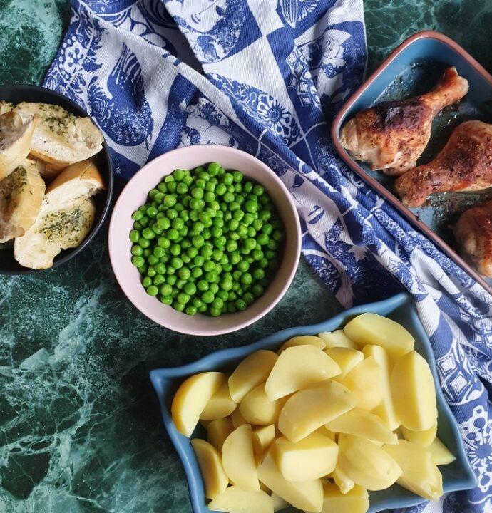 BBQ kyllinglår i ovn med kartofler og bearnaise – ovnstegt kylling