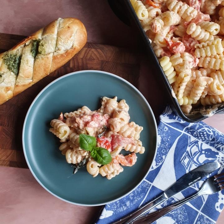 Bagte tomater med feta og pasta - TikTok pasta med bagt feta
