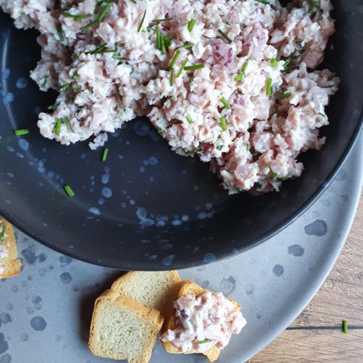 Hjemmelavet skinkesalat - frokost pålæg ideer