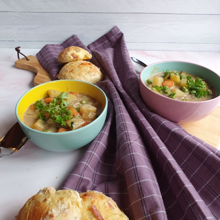 Grøntsagssuppe opskrift med kartofler - vegansk suppe med kokosmælk