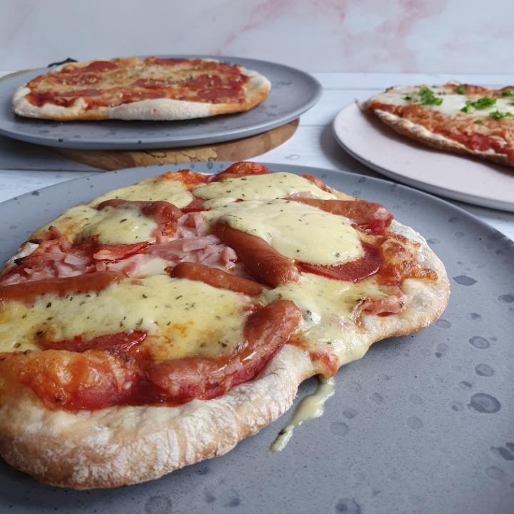 Pizza på grill - en nem opskrift til sommerens grill menu (nem pizzadej opskrift)